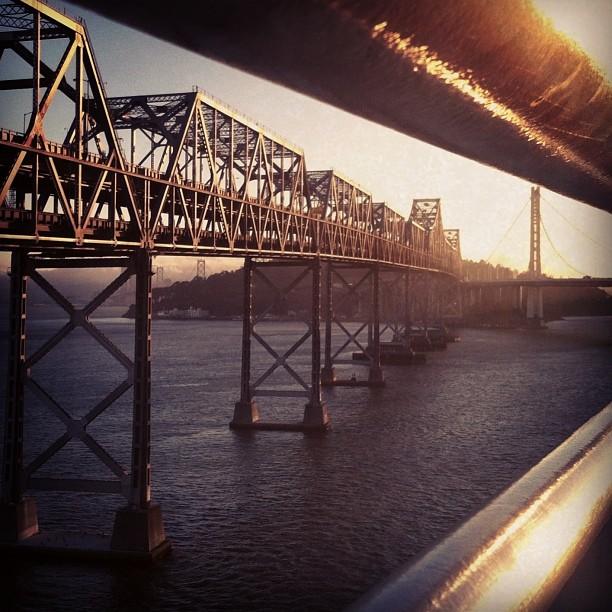 sunkat7: #baybridge #urbancyclist